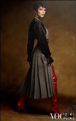 #بلا_حدید بلا حدید (انگلیسی: Bella Hadid؛ زادهٔ ۹ اکتبر ۱۹۹۶) با نام کامل ایزابلا خیر حدید، یک مدل مانکن اهل ایالات متحده آمریکا است. او از تبار فلسطینی و هلندی است. مادر او یک هلندیتبار و پدرش یک ثروتمند اهل فلسطین میباشند.   http://www.rozbano.com/bel (سایت بزرگ رزبانو) Tags: مدل مانکن بلاحدید خواهرجیجی حدید مجلهووگ