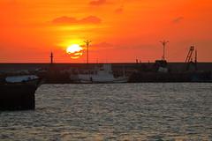 Sunset (js hsu) Tags: 夕陽 落日 南寮 漁港 南寮漁港 新竹 台灣 nanliao habor hsinchu taiwan canon canon5dmarkiv ef70300mmf456lisusm