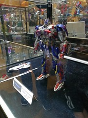 FB_IMG_1509197674613 (capcomkai) Tags: aat alien attack toys alienattacktoy autobot optimusprime optimus tlk thelastknight tftlk 柯博文 擎天柱
