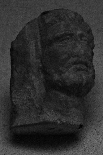 11 - Reims - Musée Saint-Remi - Tête d'homme gallo-romaine (Reims)