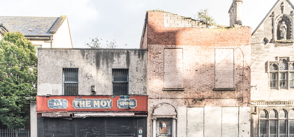 DERELICT SITE CONSISTING OF TWO BUILDINGS [ONE IS THE MOY PUB AND THE OTHER MAY BE OF HISTORIC IMPORTANCE]-133046
