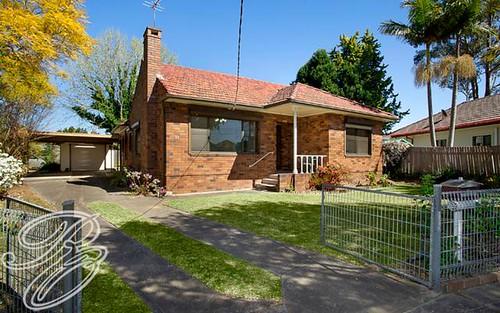 33 Fountain Av, Croydon Park NSW 2133