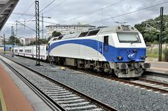 DESCANSANT (Andreu Anguera) Tags: tren trenhotel 333405 diesel ferrocarrilengalicia estación pontevedra andreuanguera