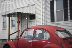 Street Beetle (Hi-Fi Fotos) Tags: vw volkswagen bug beetle vintage german classiccar red old antique used street parking rowhouse city urban pittsburgh nikkor 50mm 14 nikon d7200 dx hififotos hallewell