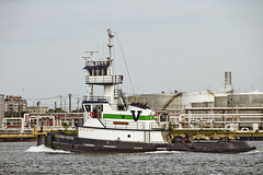 r_170921268_beat0057_a (Mitch Waxman) Tags: killvankull newyorkcity newyorkharbor statenisland tugboat newyork