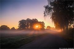 _sunrise (l--o-o--kin thru) Tags: vreden sunrise