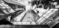 Bankentürme (MAICN) Tags: glass vhs building himmel mono sw frankfurt skyscraper blackwhite monochrome 2017 glas schwarzweis spiegelung sky bw einfarbig hochhäuser architektur gebäude