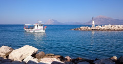 Morning Shot (GEORGE TSIMTSIMIS) Tags: patras greece travel bright blue white xperiaz3 sony androidphoto fetchingup rocks seascape outdoors outdoorphotographer