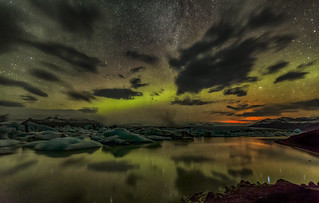 The Aurora and the light of fissure eruption at Holuhraun seen at the ice lagoon at Jökulsárlón