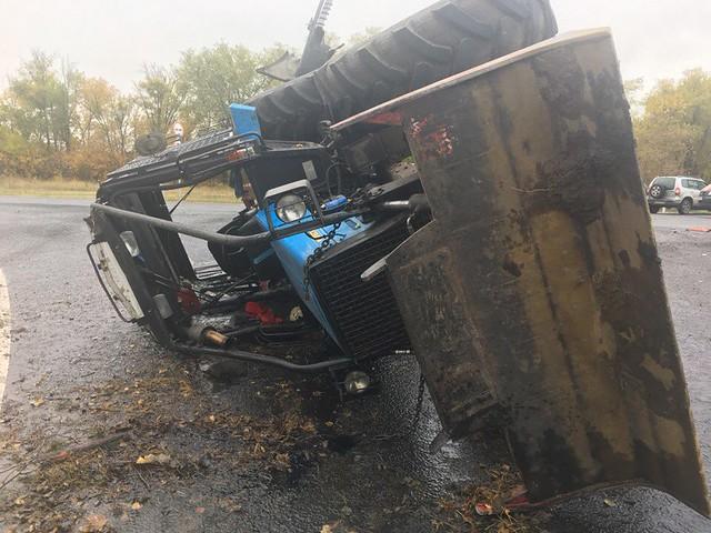 ВСамарской области междугородний автобус столкнулся страктором