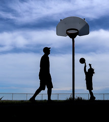 Basket Ball (Danny VB) Tags: basket basketball bball silhouette ocean rim atlantic gaspésie québec canada holiday summer canon m10 mirrorless ciel nuages