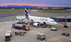A319 LATAM TRAVEL (bruno.eduardo91) Tags: airplanepictures aviação aviaçãocomercial aviation aviacion aviationphotography avporn jetphotos airplanes loveaviation aeroporto airport aviationgeek aircraft airplane avgeeks airline spotter spotting airplanelovers loveforaviation megaplane airports planespotting planepics planes plane planeporn avião fly flying airbusboeingaviation airbus airbuslover airbuslovers canonofficial canon canonphotos photo pictures fotografia foto photography photographer fotografo flickr curitiba aeroportoafonsopena aeroportodecuritiba ao ar livre veículo aeronave de passageiros jato comercial sbct a319 latam