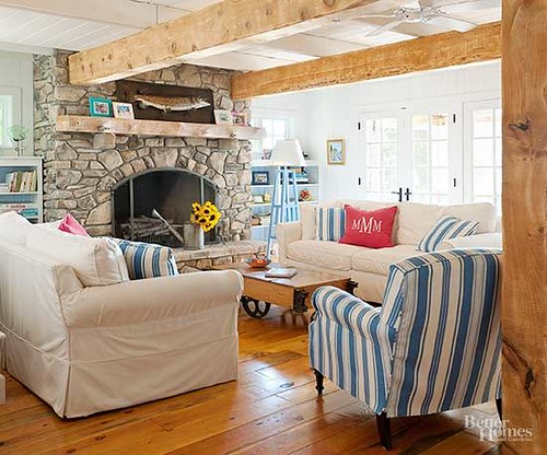 Living Room Decor : Create a cozy, country living room with these rustic decorating ideas. These col...