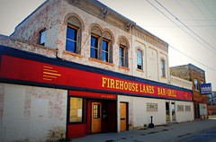 Firehouse Lanes Bar & Grill - Watertown, Wisconsin (Cragin Spring) Tags: wisconsin wi midwest unitedstates usa unitedstatesofamerica watertown watertownwi watertownwisconsin firehouselanesbargrill firehouselanes bar grill bowling bowlingalley building architecture