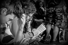 Reader (Wal Wsg) Tags: reader lector leer lee read argentina argentinabsas buenosaires caba capitalfederal ciudadautonoma ciudaddebuenosaires villacrespo parquecentenario reading readingbook leyendo lectura lecture lectora lectores dia day canoneosrebelt3 calle callejeando street streets streetsbw bw byn blackandwhite blancoynegro monocromatico monocromatic monocromo