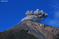 Volcan de fuego (Guido De León) Tags: visitguatemala guatemalaimpresionante guatemala guatedepostal