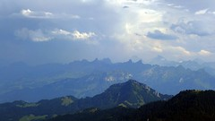 Something's Happening In the Air (Daphne-8) Tags: rain clouds thunder mountains bergen regen sturm storm donner wolken sky himmel cielo orage montagnes montanas schweiz rigi kulm switzerland zwitserland suisse svizzera svizra landscape view aussicht landschaft