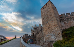 atardecer castillo templario de Ponferrada (phooneenix) Tags: atardecer sunset castillo templario ponferrada león