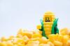 Pesadilla de una mazorca de maíz (Marmotuca) Tags: amarillo granos granosdemaíz lego maíz pesadilla