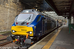 DRS 68032 - Edinburgh Waverley (Neil Sutton Photography) Tags: 68032 abellio beaconrailleasing canon class68 drs drslivery dieselelectric diesellocomotive edinburgh edinburghwaverley eurolight railway scotrail scotland scotlandsrailway train uklight loco locomotive