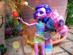 (Linayum) Tags: kjerstitrollson mouscedesking mh monster monsterhigh mattel doll dolls muñeca muñecas toys toy juguetes juguete friends fresa strawberry linayum