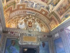 Vatican - Rom (World Spotter) Tags: vatikan vatican rom petersplatz petersdom dom kirche kutsche vw volkswagen papst pobe outdoor nikon sigma tamron