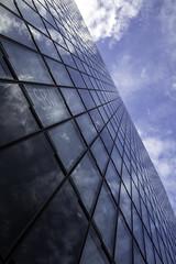 endless 1.1 (SBW-Fotografie) Tags: sbw sbwfoto sbwfotografie canon canon80d canoneos80d 80d weitwinkel gebäude building architektur architecture himmel sky blauerhimmel bluesky wolken clouds spiegelung reflection pov düsseldorf medienhafen