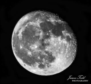 Waning Gibbous moon - bw