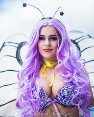 SP_66932-2 (Patcave) Tags: friday dragon con dragoncon 2017 dragoncon2017 cosplay cosplayer cosplayers costume costumers costumes shot comics comic book scifi fantasy movie film wild butterfree butterfly pokemon purple wings lilac antennae gloves videogames