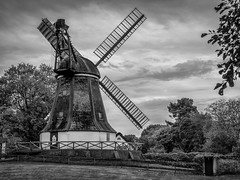 Windmill (bitstep) Tags: künstlerdorf oktober2017 vhsiserlohn worpswede windmühle sw blackwhite windmill teufelsmoor schwarzweiss schwarzweis landschaft landscape village dorf artists