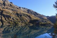 lac et barrage de Tzeusier (bulbocode909) Tags: valais suisse tzeuzier lacdetzeusier barragedetzeusier montagnes nature automne barrages lacs arbres paysages bleu jaune reflets