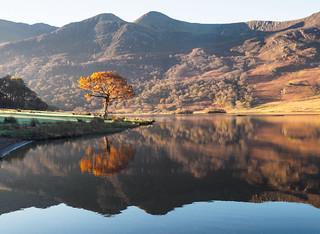Crummock water Autumn reflections