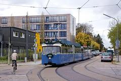 P-Zug 2006/3005 erreicht am Nachmittag das Museum (Frederik Buchleitner) Tags: 10jahremvgmuseum 2006 3005 linie7 mvgmuseum munich münchen pwagen strasenbahn streetcar tram trambahn