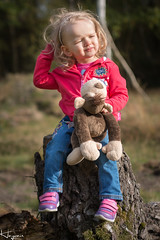 A walk in the Woods (Wayne Cappleman (Haywain Photography)) Tags: haywain photography wayne cappleman farnborough hampshire southwood woodlands toddler portrait child baby cuddly toy