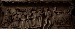 5 - Reims - Cathédrale Notre-Dame - Portail du Jugement Dernier - Détail, L'Enfer (melina1965) Tags: reims marne grandest octobre october 2017 nikon d80 macro macros église églises church churches sculpture sculptures sépia sepia façade façades basreliefs basrelief