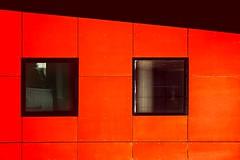 Flashy (Isa-belle33) Tags: architecture urban urbain city ville colors couleurs wall mur fuji fujifilm fujixt1 windows fenêtres bordeaux