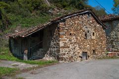 Cabaña (Oscar F. Hevia) Tags: cabaña casa construcción piedra cabin home building stone lindes asturias asturies españa paraísonatural principadodeasturias quiros spain principalityofasturias naturalparadise