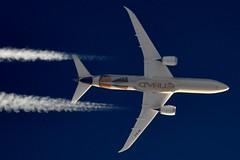 Etihad Airways Boeing 787 Dreamliner A6-BLE (stephenjones6) Tags: jet civil boeing dreamliner b787 787 7879 etihad airways ott highaltitude contrail vapour a6ble nikon d3200 skywatcher dobsonian abu dhabi blue