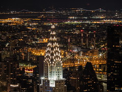 Chrysler Building, visto desde el Empire State Building. (Luis Pérez Contreras) Tags: night photography nocturna fotografía viaje eeuu usa trip 2017 olympus m43 mzuiko omd em1 manhattan nyc newyork nuevayork estadosunidos empirestatebuilding chryslerbuilding