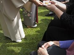 tea exhibition, host offers sweet (pix-l) Tags: canons110 915 fukuiken hokuriku ruraljapan 915 北陸 福井県 田舎 chaseki miyazakimura teaceremony ocha sado urasenke manenryu
