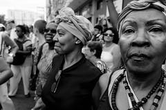 Foto- Arô Ribeiro -3838 (Arô Ribeiro) Tags: carnaval blackwhitephotos photography laphotographie art pb arôribeiro street sãopaulo brazil