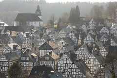 Freudenberg, Germany. (廖法蘭克) Tags: freudenberg germany 6d 德國 弗羅伊登貝格 木造房 德式風格 老城鎮 白色 白色房 contaxcarlzeissplanar85mmf14t contax carlzeiss oldlens old oldtown manuallens manual manualfocus vacation holiday frank frankineurope photographer photography photograph white historical historicalbuilding 老鏡 老城 手動對焦 手動鏡 手動老鏡 canon