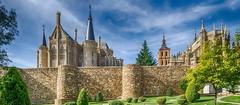 Astorga. (AITANA64) Tags: flickrawardgallery flickrawards flickrestrellas aitana64 nikond7000 astorga muralla palacio