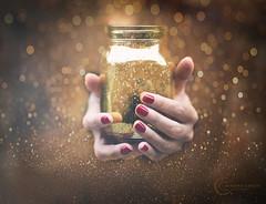 Golden bokeh in your hands (CasCriS) Tags: golden fineart bokeh star milan hands color rouge nailart