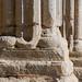 Detall del podi de les columnes del porxo  de Santa Maria de la Bovera