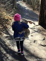 Friends (irene.holmen) Tags: rabbit girl perlevenner skogtur bestevenner friends hike forest bestfriends hare kanin outdoor fottur venner walk path sti dnt skog norge norway vacation