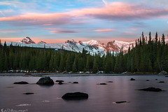 Into thin ice (Bill Bowman) Tags: sunrise redrocklake indianpeaks rockymountains frozenlake rosyfingersofdawn rhododactyloseos reflection niwotridge
