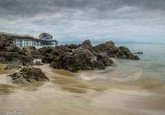 High tide and heavy clouds (Eiona R. [Busy over the Weekend]) Tags: themumbles wales unitedkingdom gb wfc longexposure mumblespier