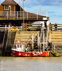 Fishing boat in Viking Bay (philbarnes4) Tags: broadstairs thanet kent england coast view dslr philbarnes