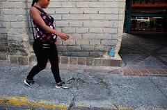 OBST_HUE_PUEBLODELHATILLO_CALLEBOLIVAR_62 (Nelson González Leal) Tags: obstáculo hueco elhatillo callesantarosalía municipioelhatillo